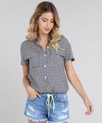 Camisa-Feminina-Estampada-Xadrez-Vichy-com-Bolso-e-Botoes-Manga-Curta-Preta-9600346-Preto_1
