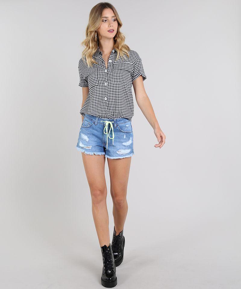 Camisa-Feminina-Estampada-Xadrez-Vichy-com-Bolso-e-Botoes-Manga-Curta-Preta-9600346-Preto_3