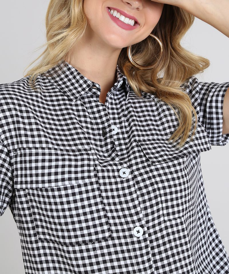 Camisa-Feminina-Estampada-Xadrez-Vichy-com-Bolso-e-Botoes-Manga-Curta-Preta-9600346-Preto_4