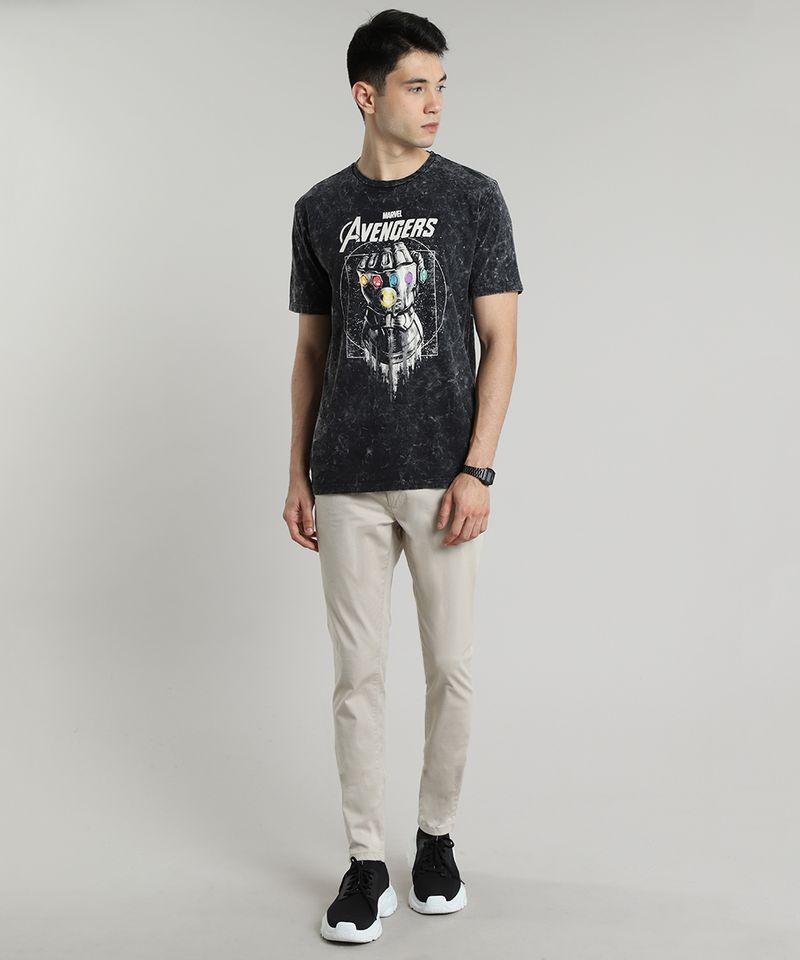 Camiseta-Masculina-Manopla-do-Infinito-Os-Vingadores-Marmorizada-Manga-Curta-Gola-Careca-Preta-9609296-Preto_3