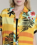 Camisa-Feminina-Estampada-Tropical-com-Fenda-Manga-Curta-Amarela-9632916-Amarelo_4