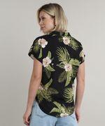 Camisa-Feminina-Estampada-Floral-Tropical-com-Bolso-Manga-Curta-Preta-9706658-Preto_2