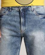 Bermuda-Jeans-Masculina-Slim-com-Barra-Desfiada-Azul-Medio-9781412-Azul_Medio_2