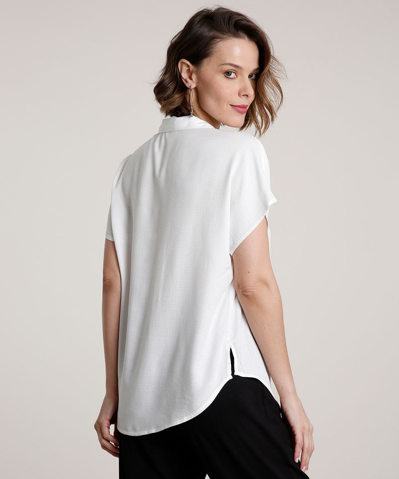 Camisa-Feminina-Ampla-com-Bolso-Manga-Curta-Off-White-9776961-Off_White_2
