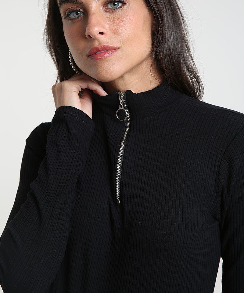 Blusa-Feminina-Canelada-com-Ziper-de-Argola-Manga-Longa-Gola-Alta-Preta-9461071-Preto_4