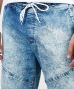 Bermuda-Jeans-Masculina-Slim-com-Recortes-e-Barra-Dobrada-Azul-Medio-9860116-Azul_Medio_2