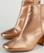 Bota-Feminina-Oneself-Cano-Curto-Salto-Medio-Bico-Quadrado-Metalizada-Dourada-9944708-Dourado_3
