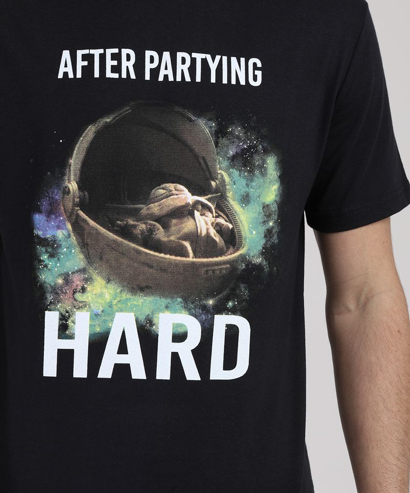 Camiseta-Masculina--Baby-Yoda-After-Partying-Hard--Manga-Curta-Gola-Careca-Preta-9946946-Preto_4