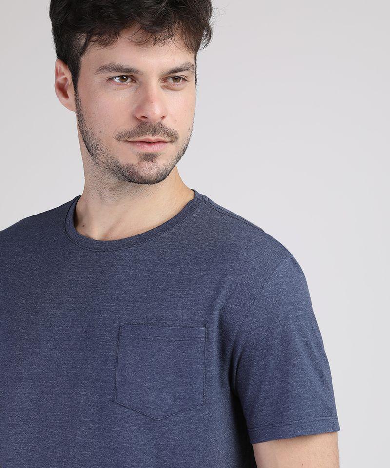 Camiseta-Masculina-Basica-com-Bolso-Manga-Curta-Gola-Careca-Azul-Marinho-9941894-Azul_Marinho_4