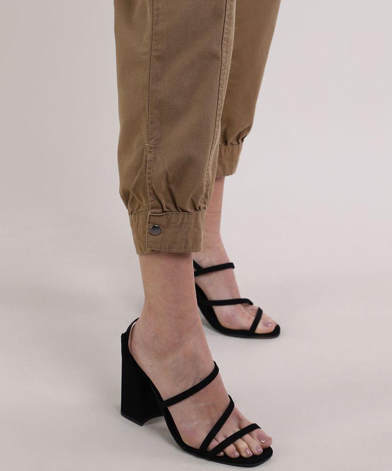 Calca-de-Sarja-Feminina-Jogger-Cintura-Super-Alta-com-Botao-na-Barra-Kaki-Escuro-9949331-Kaki_Escuro_4