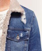 Jaqueta Jeans Masculina com Pelo Detalhes