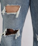 Calca-Jeans-Feminina-Plus-Size-Wide-Pantalona-Cintura-Super-Alta-Destroyed-com-Barra-Desfiada-Azul-Medio-9965144-Azul_Medio_4