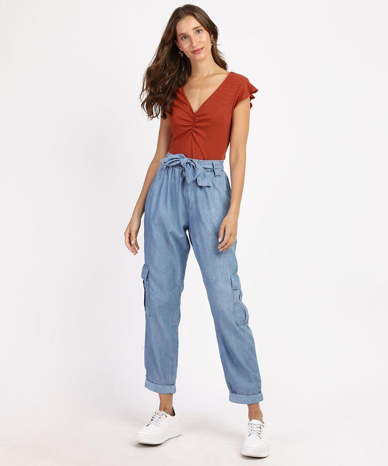 Calca-Jeans-Feminina-Cargo-Cintura-Alta-com-Faixa-para-Amarrar-Azul-Medio-9961386-Azul_Medio_3