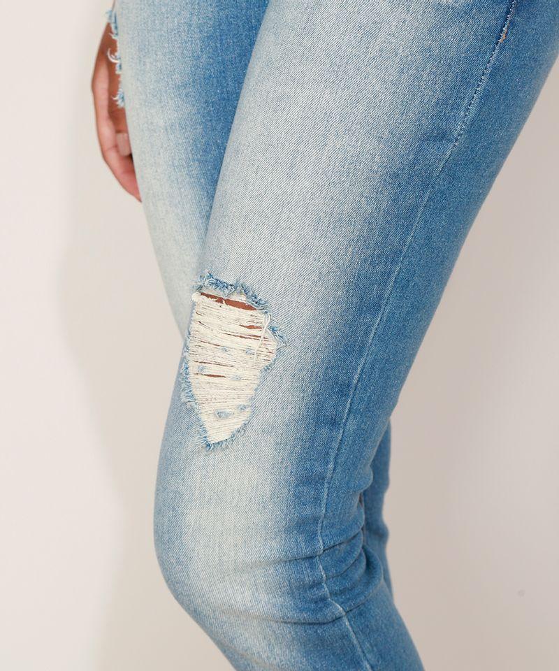 Calca-Jeans-Feminina-Cigarrete-Destroyed-com-Bolsos-Azul-Medio-9932022-Azul_Medio_4