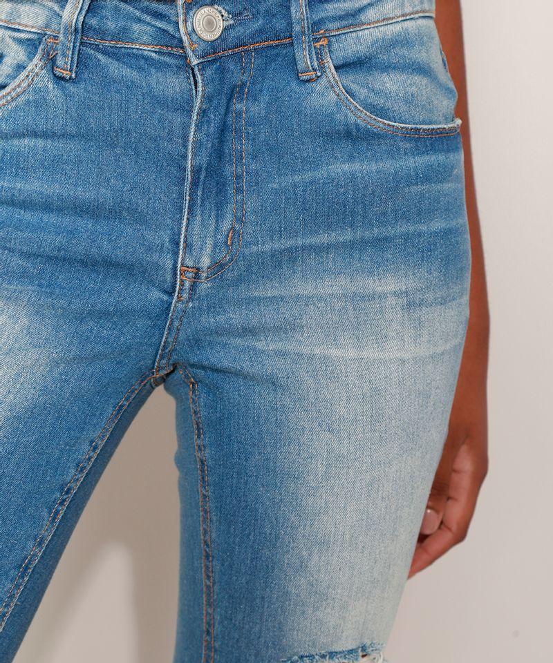 Calca-Jeans-Feminina-Cigarrete-Destroyed-com-Bolsos-Azul-Medio-9932022-Azul_Medio_5