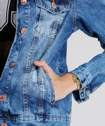 Jaqueta-Jeans-Feminina-Destroyed-Manga-Longa-Azul-Medio-9031178-Azul_Medio_4