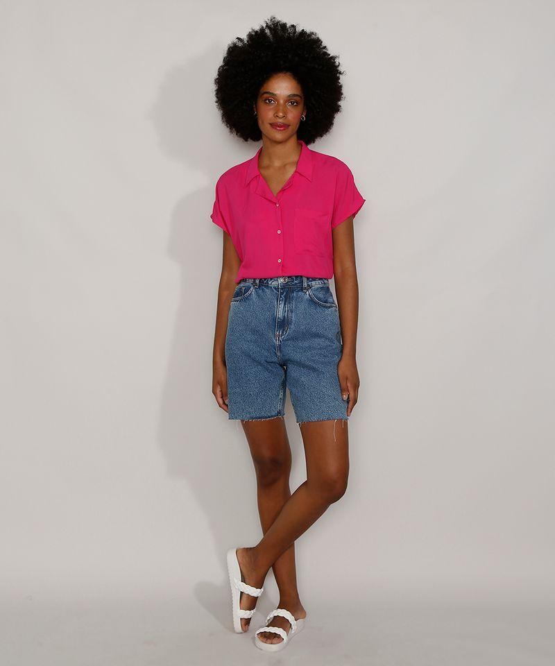 Bermuda-Jeans-Feminina-Cintura-Alta-Marmorizada-com-Rasgos-e-Barra-Destroyed-Azul-Medio-9985642-Azul_Medio_3