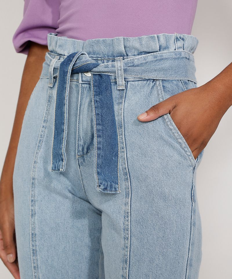 Calca-Jeans-Feminina-Jogger-Cintura-Super-Alta-com-Recortes-e-Faixa-para-Amarrar-Azul-Claro-9985957-Azul_Claro_4