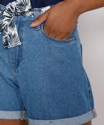 Short-Jeans-Feminino-Midi-Cintura-Alta-com-Lenco-Estampado-Azul-Claro-9982917-Azul_Claro_4
