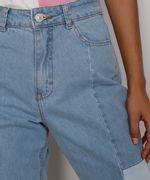 Calca-Jeans-Feminina-Mom-Cintura-Super-Alta-com-Recortes-Azul-Claro-9985618-Azul_Claro_6