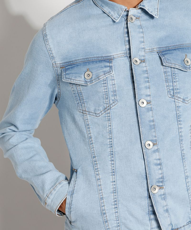 Jaqueta-Jeans-Masculina-Trucker-com-Bolsos-e-Botoes-Azul-Claro-9976766-Azul_Claro_4