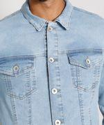 Jaqueta-Jeans-Masculina-Trucker-com-Bolsos-e-Botoes-Azul-Claro-9976766-Azul_Claro_5