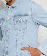 Jaqueta-Jeans-Masculina-Trucker-com-Bolsos-e-Botoes-Azul-Claro-9976766-Azul_Claro_6