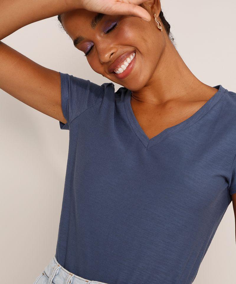 Camiseta-Feminina-Basica-Manga-Curta-Flame-Decote-V-Azul-1-8525926-Azul_1_6