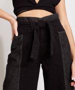 Calca-Wide-Cropped-Jeans-com-Recortes-e-Faixa-para-Amarrar-Cintura-Super-Alta-Preta-9988926-Preto_6