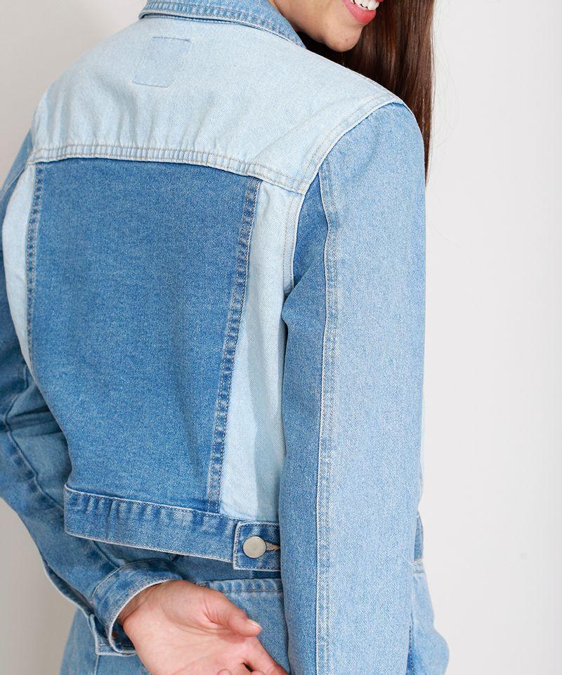 Jaqueta-Jeans-Cropped-com-Recortes-Azul-Medio-9989004-Azul_Medio_5