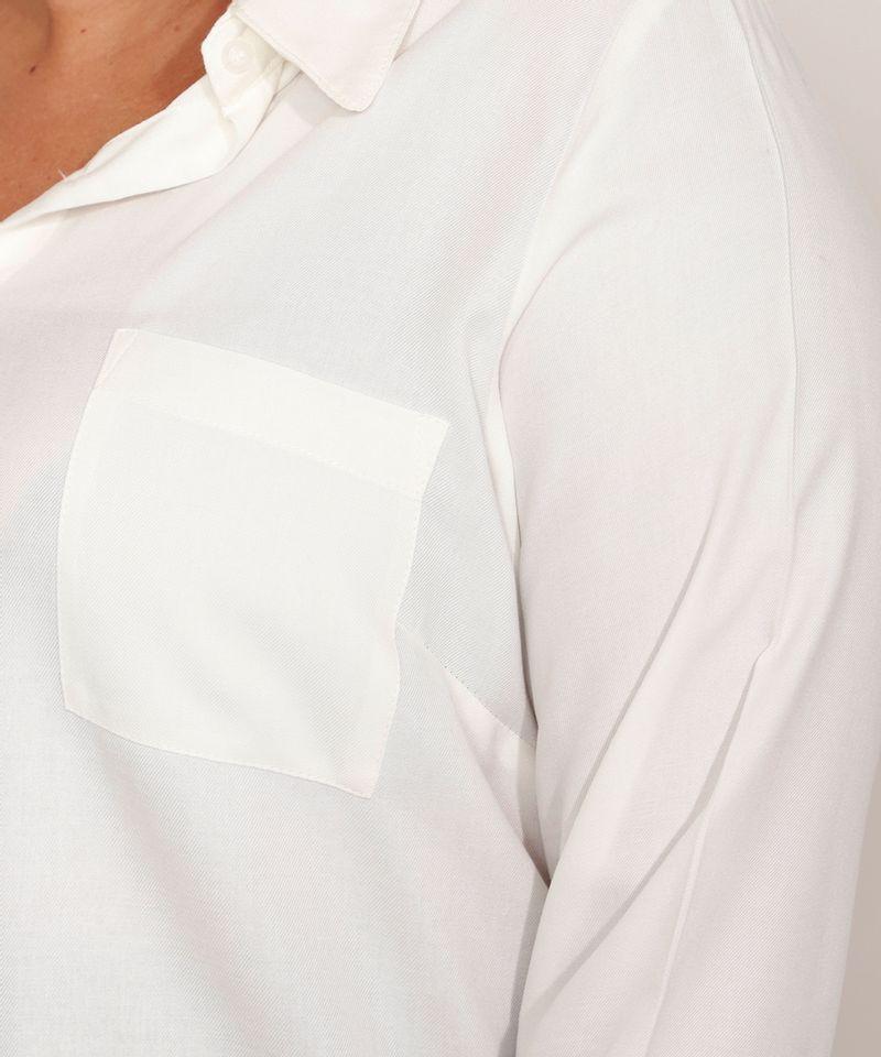 Camisa-de-Viscose-Plus-Size-com-Bolso-Manga-Longa-Off-White-9986193-Off_White_4
