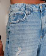 Calca-Mom-Jeans-Cropped-Destroyed-Cintura-Super-Alta-Azul-Claro-9991633-Azul_Claro_4