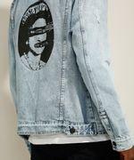 Jaqueta-Trucker-Jeans-Marmorizada-da-Banda-Sex-Pistols-com-Bolsos-e-Puidos-Azul-Claro-9982016-Azul_Claro_5
