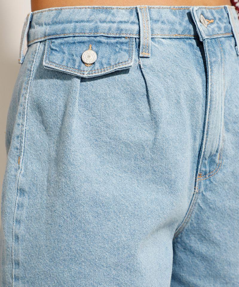 Bermuda Jeans com Pregas Azul Claro cintura