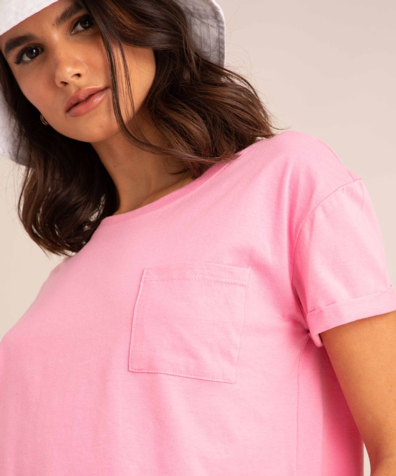 camiseta-cropped-de-algodao-basica-com-bolso-manga-curta-decote-redondo--rosa-1-9883461-Rosa_1_4