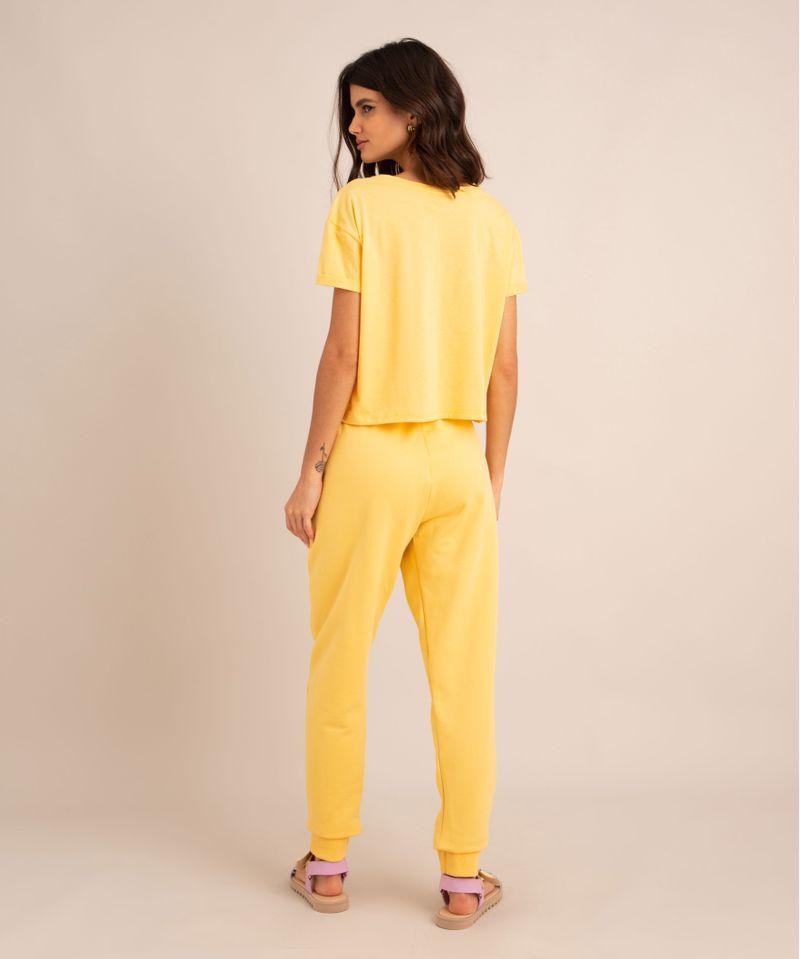conjunto-basico-de-camiseta-cropped-com-bolso-manga-curta-decote-redondo---calca-jogger-de-moletom-cintura-media--amarelo-claro-1006882-Amarelo_Claro_2