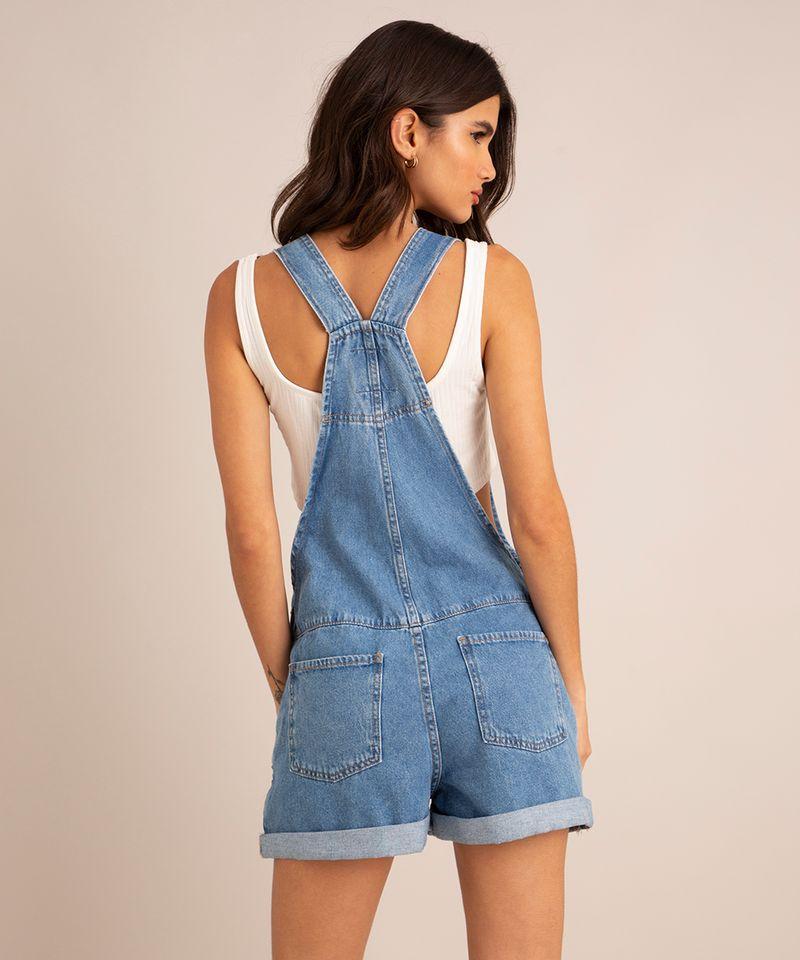 jardineira-jeans-com-bolso-e-barra-dobrada-azul-claro-1007147-Azul_Claro_2