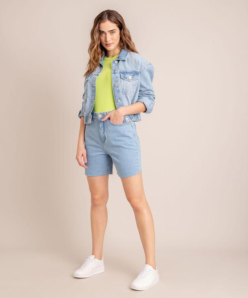 Bermuda-Jeans-com-Pregas-e-Barra-Desfiada-Cintura-Super-Alta-Azul-Claro-1006558-Azul_Claro_2