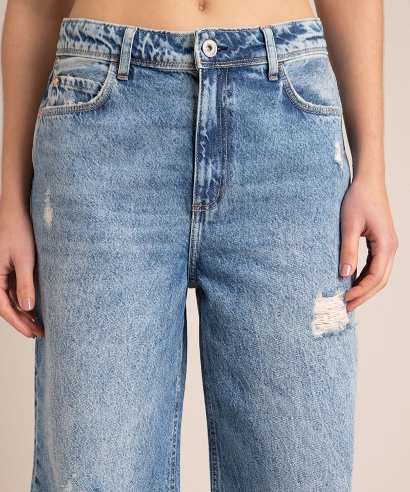Calca-Wide-Jeans-Marmorizada-Destroyed-Cintura-Baixa-Azul-Medio-1007105-Azul_Medio_4