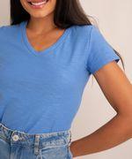 camiseta-flame-de-algodao-basica-manga-curta-decote-v-azul-2-8525926-Azul_2_4