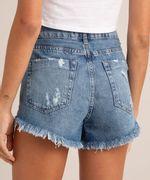 Short Jeans Marmorizado Destroyed Azul Médio Costas