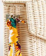 Bolsa-Feminina-Transversal-em-Palha-de-Ratan-com-Lenco-Estampado-Floral-Bege-Claro-9255542-Bege_Claro_4