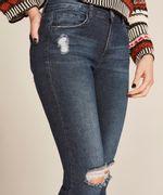 Calca-Jeans-Feminina-Cigarrete-com-Rasgos-Azul-Escuro-8633583-Azul_Escuro_4